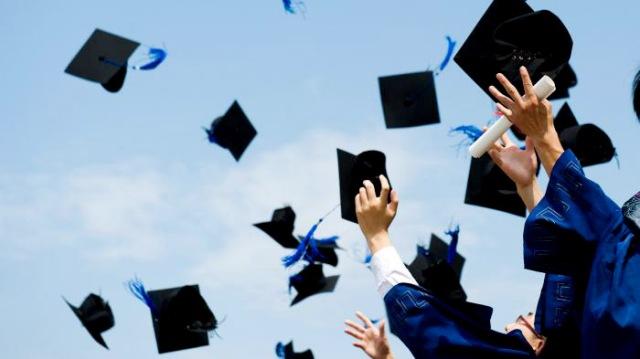 Tips dan Trik Menjadi Mahasiswa Berprestasi